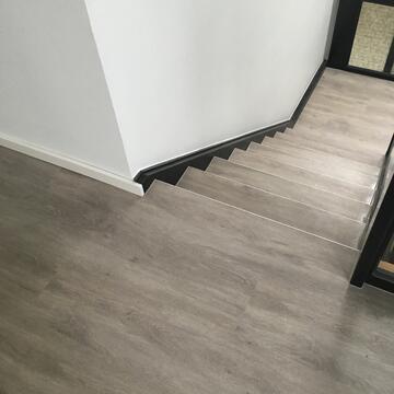 Designbelagverlegung inkl. Treppe